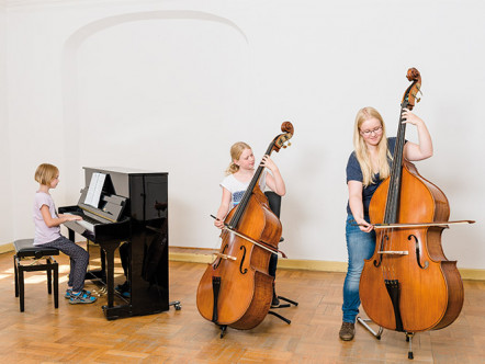 We are an open music and art school for Neuzelle and the surrounding area